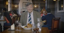 Heathrow collaborates with Stephen Fry to create a guide to the UK
