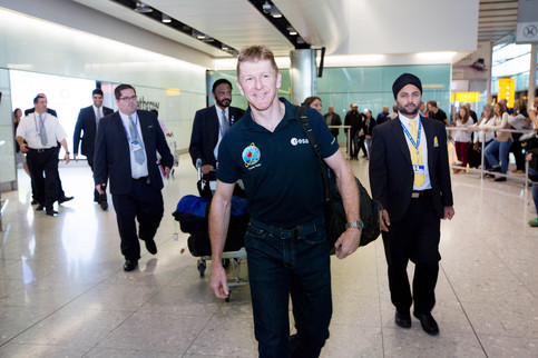 Tim Peake welcomed on final descent to Heathrow